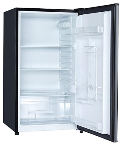 Magic Chef fridge with glass internal shelves