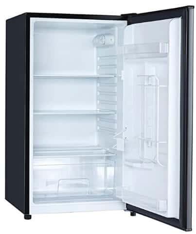 Magic Chef fridge with glass internal shelves