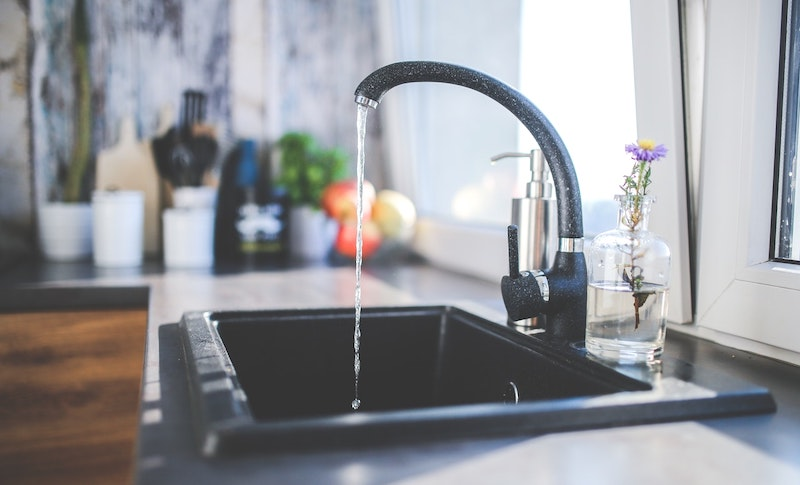 5 Best Touchless Kitchen Faucets For Your Home
